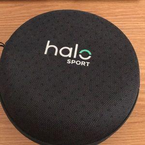 Neuro priming Halo Sport headphones.